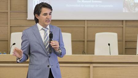 El Dr. Somoza Martín presenta…